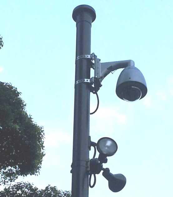 監視カメラ拡大